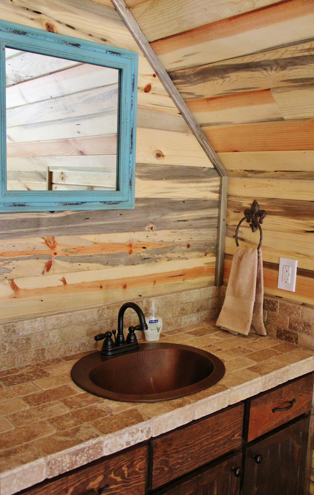 Sabine Cabin - Loft Bathroom
