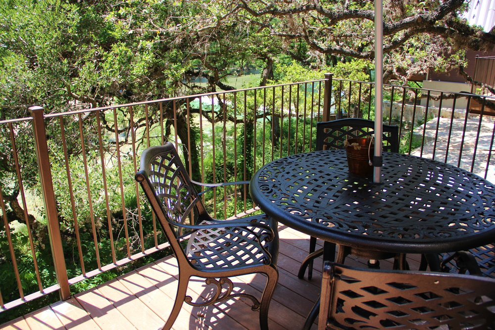 Medina Cabin | Private Balcony