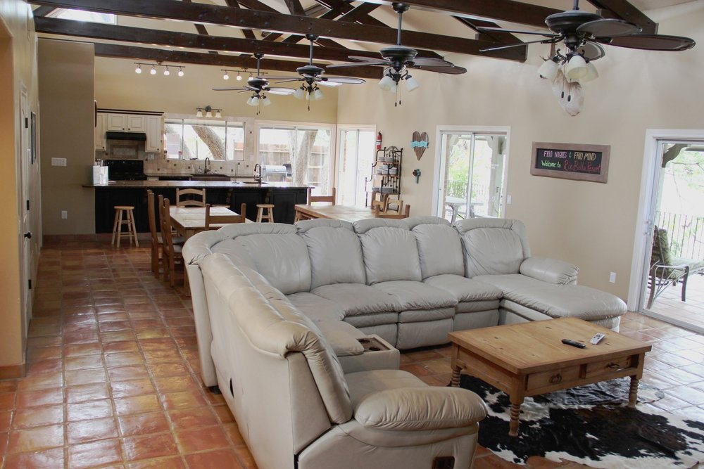 Rio Grande River House - Living Area