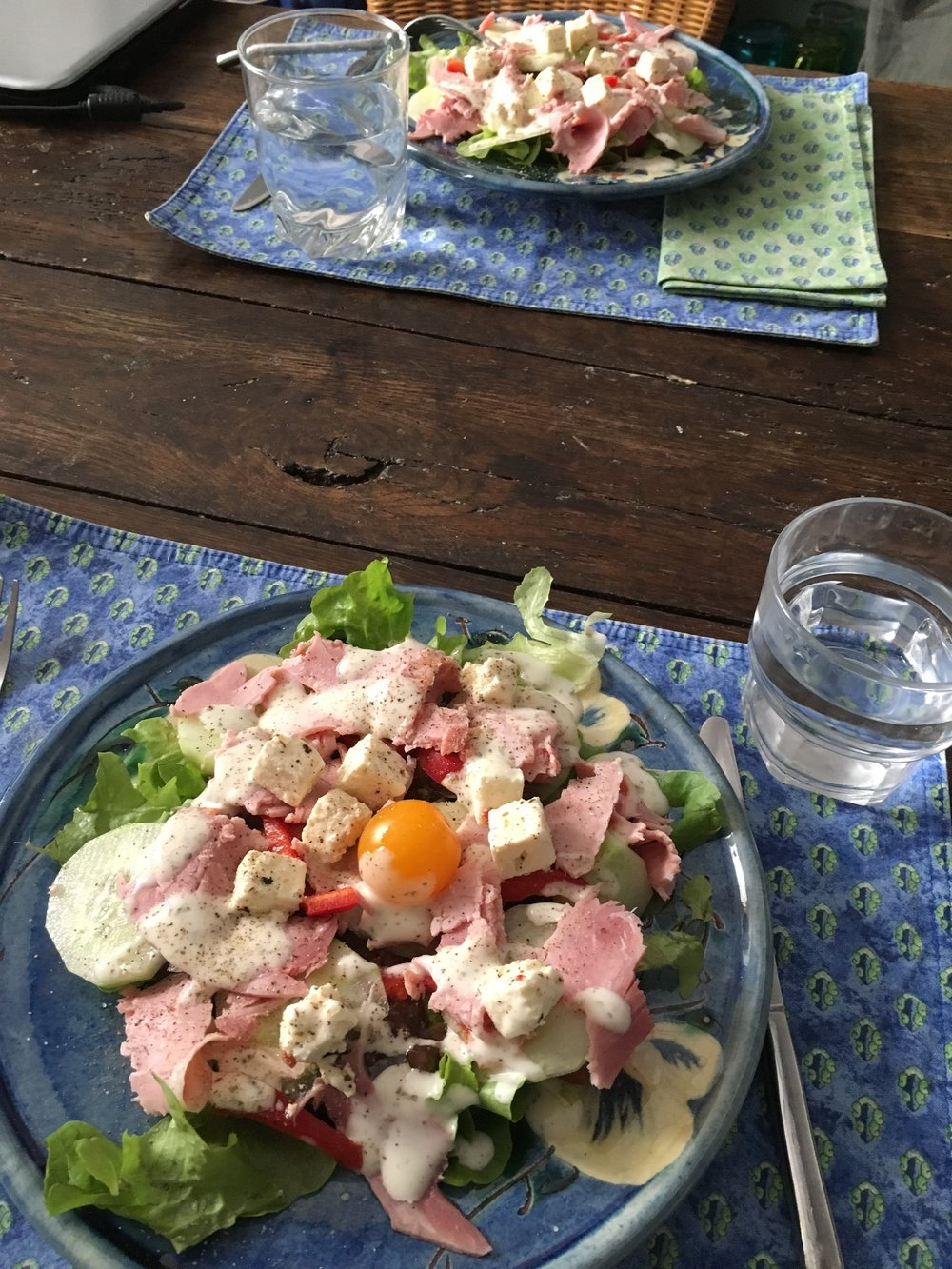A healthy lunchtime salad at the Lainie's Healing House before the tasty coffee and dessert arrive.
