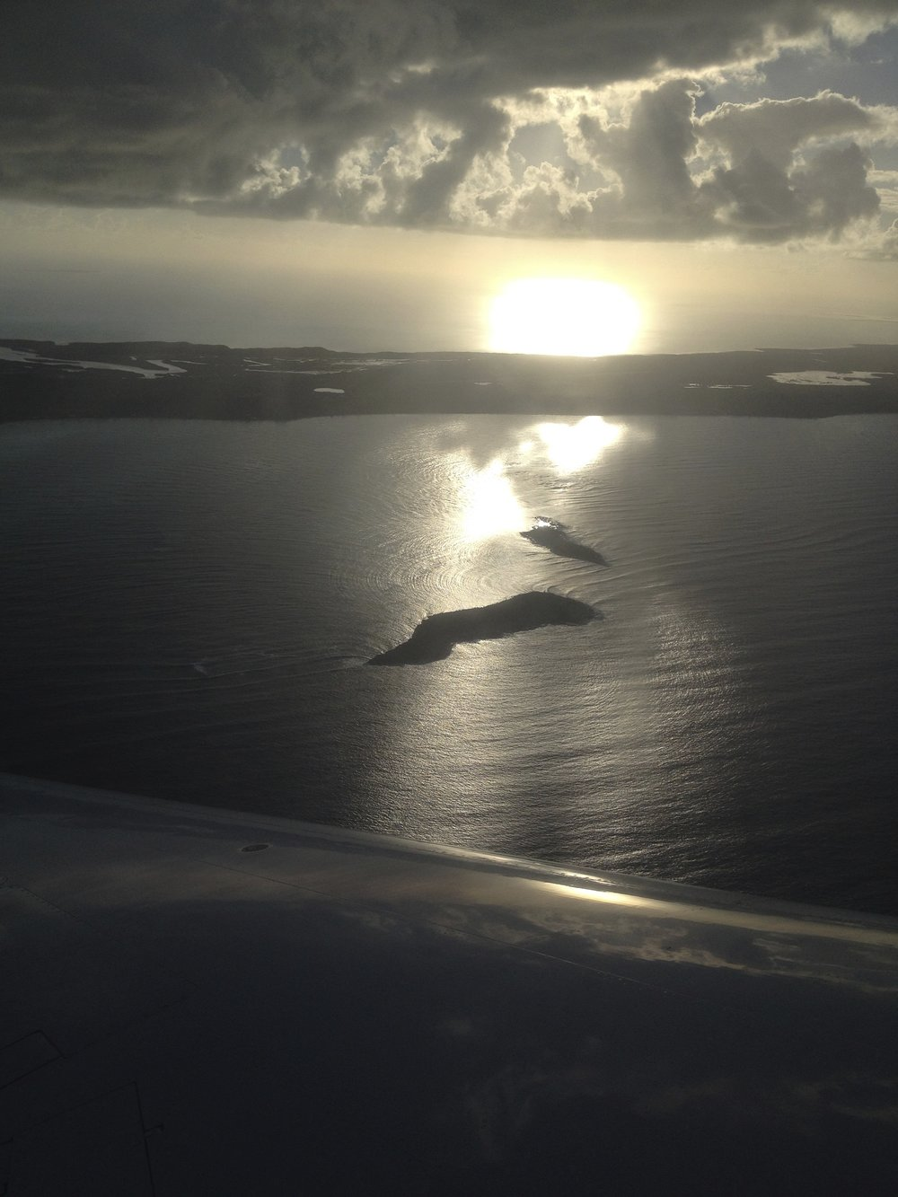 Can see Flow from above. The wave flow around an island. Both most Flow is invisible on the airplane wing and the breeze below. Even the tidal flow is invisible. Most Flow is.
