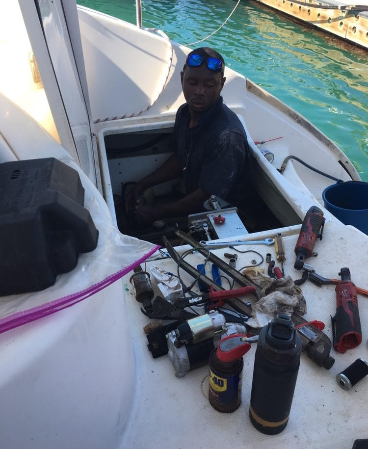 Alex rescues our starboard engine