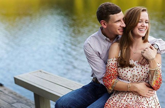 Engagement Pictures are in full swing after the holiday proposals!! Check out this beautiful shot from @ciarloniphoto