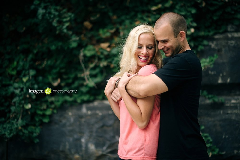Cleveland-Engagement-Photo_0020.jpg