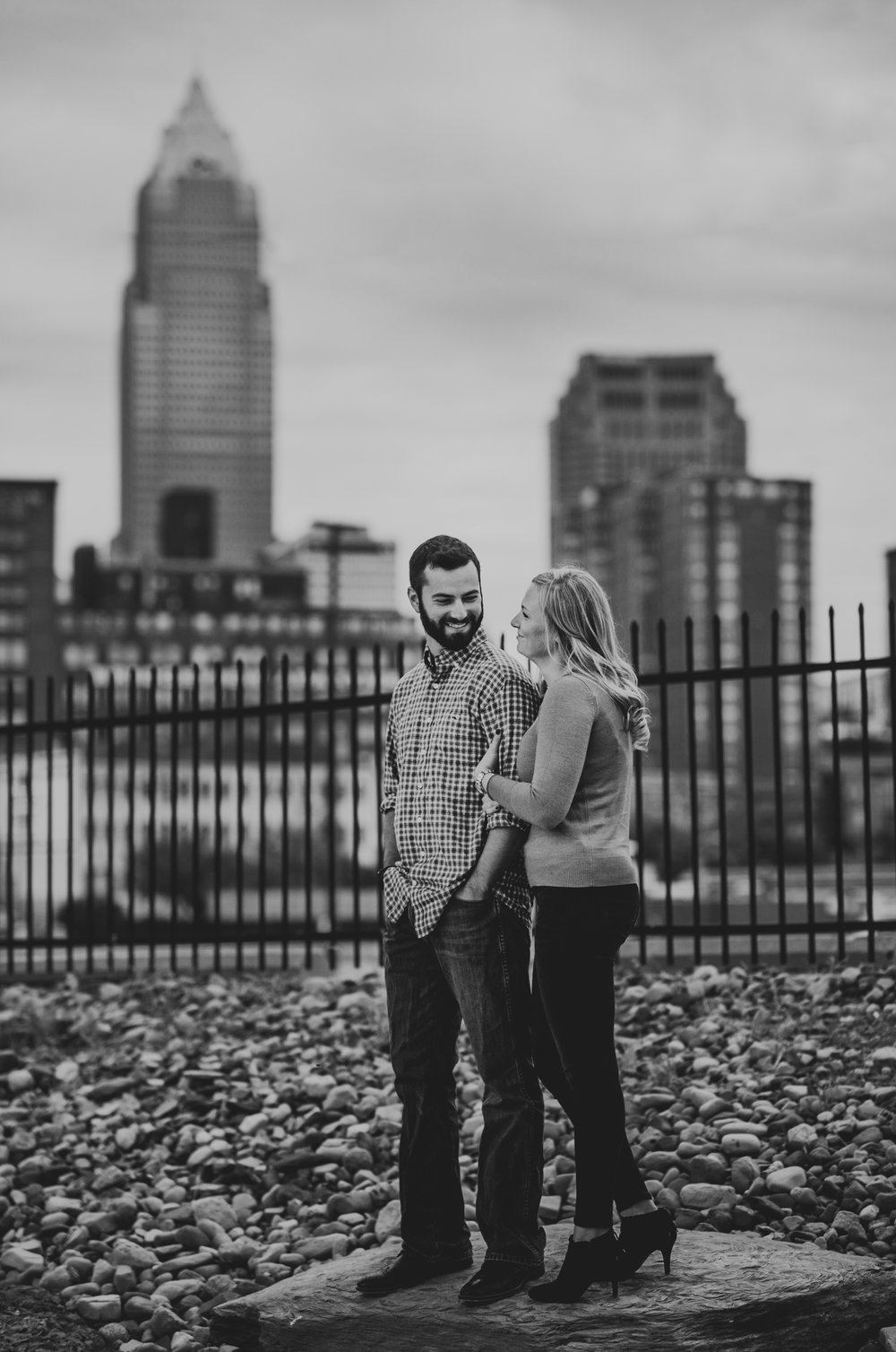 Edgewater Park Cleveland Engagement Session-0002.jpg