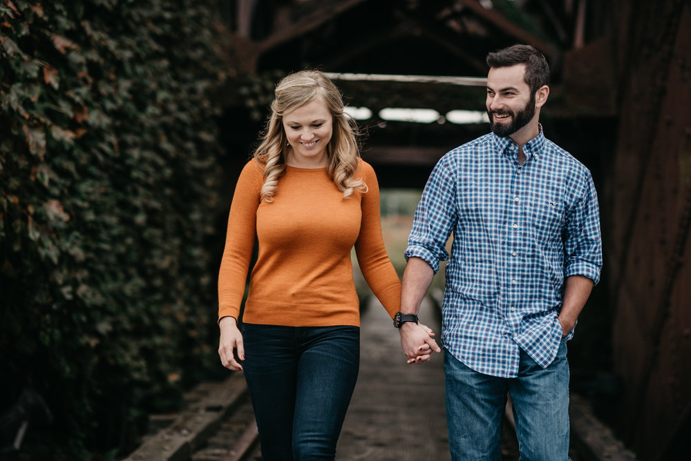 Edgewater Park Cleveland Engagement Session-0008.jpg