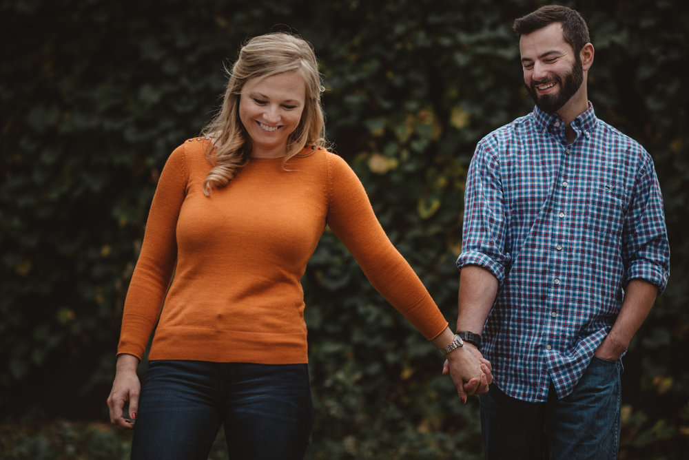 Edgewater Park Cleveland Engagement Session-0012.jpg