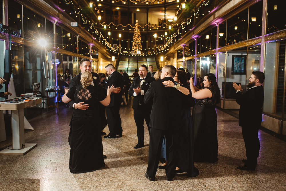 Hyatt arcade wedding-0039.jpg