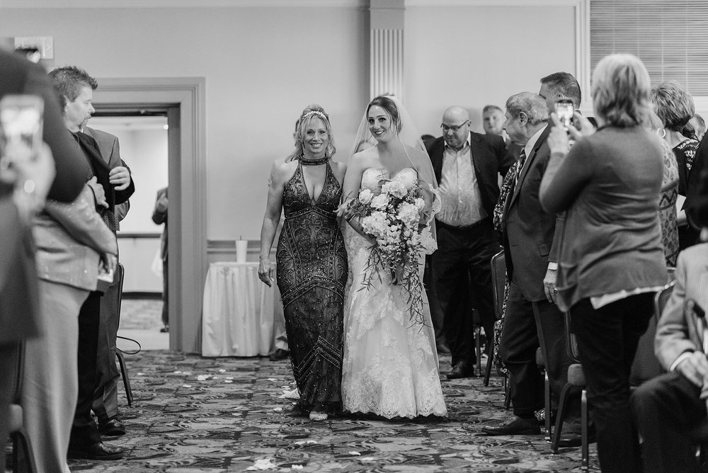 South Hills Country Club Pittsburgh Wedding_0148.jpg