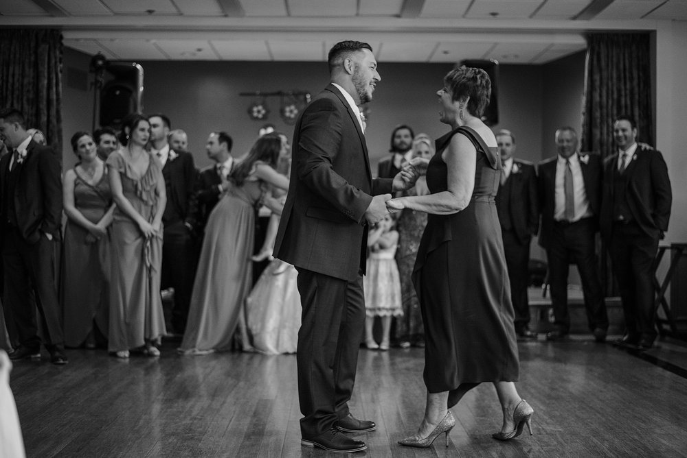 South Hills Country Club Pittsburgh Wedding_0236.jpg