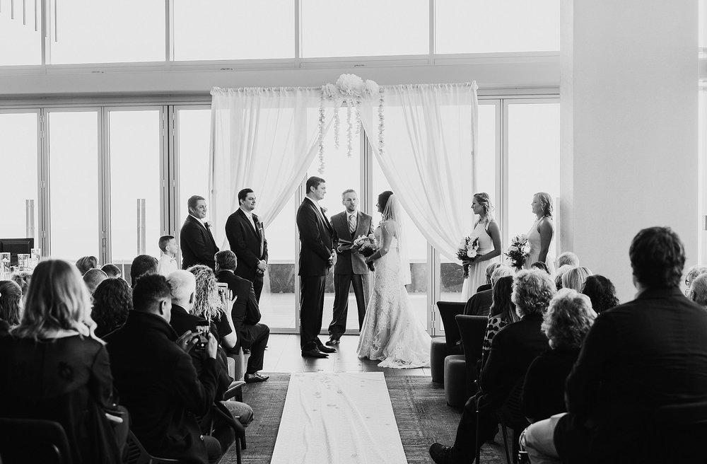 Hilton Downtown Cleveland Wedding0021.jpg