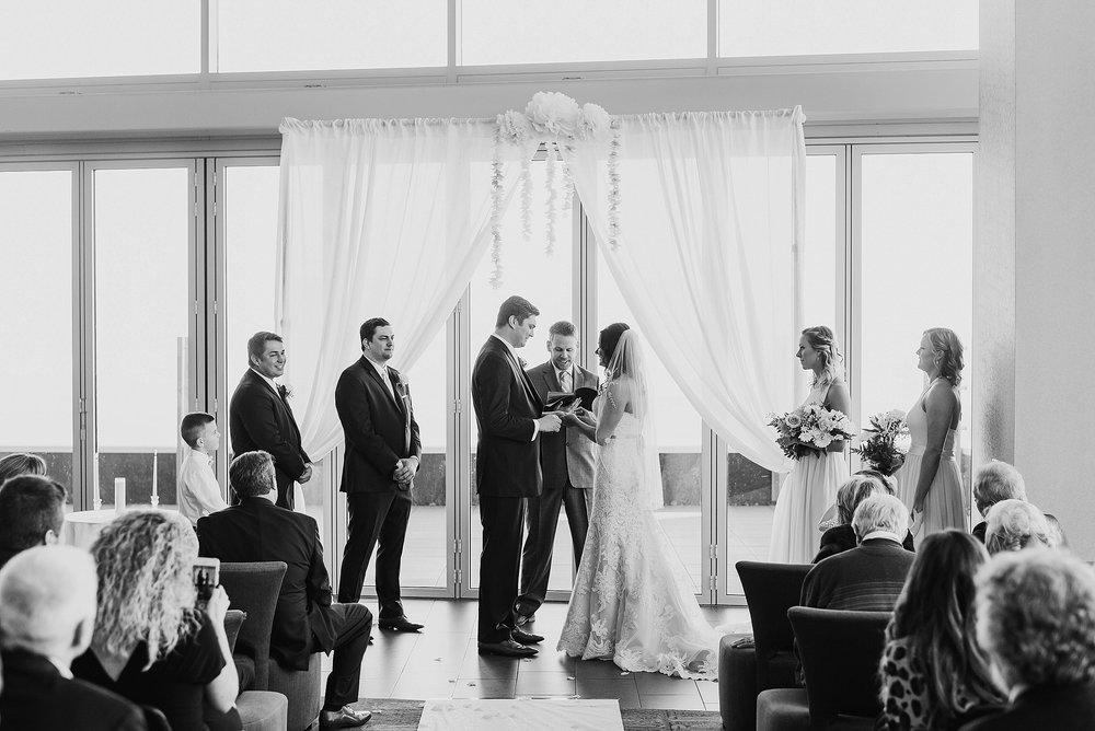 Hilton Downtown Cleveland Wedding0024.jpg