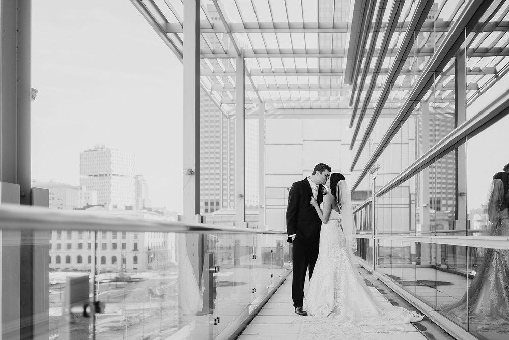 Hilton Downtown Cleveland Wedding0034.jpg