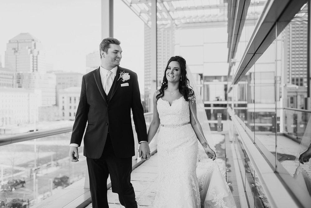 Hilton Downtown Cleveland Wedding0037.jpg