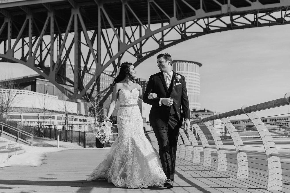 Hilton Downtown Cleveland Wedding0040.jpg
