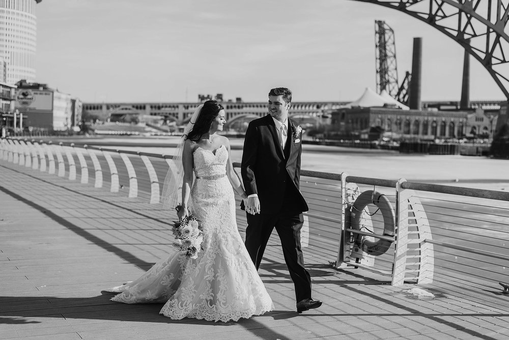 Hilton Downtown Cleveland Wedding0041.jpg