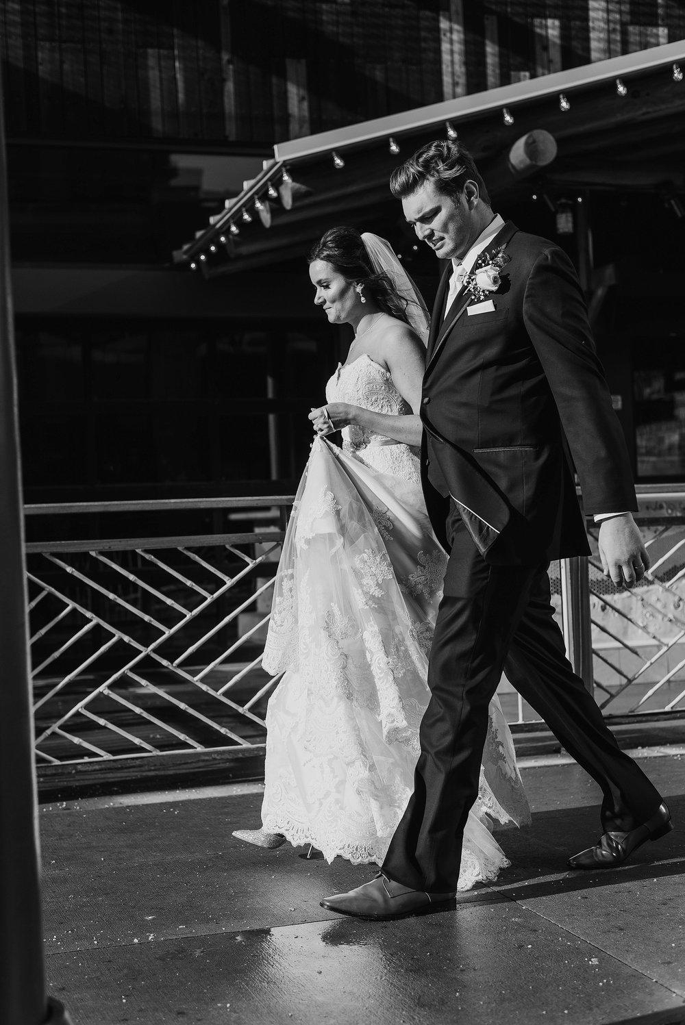 Hilton Downtown Cleveland Wedding0047.jpg