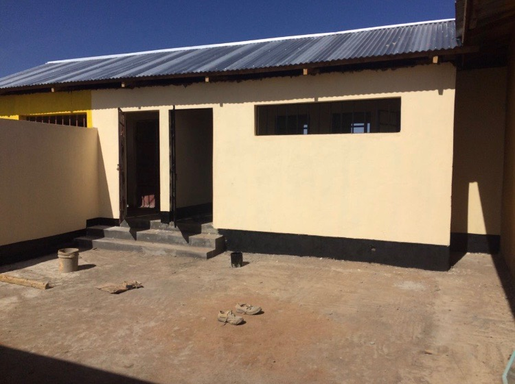 Above is the new toilet block for the boys' dorm (a mirror one is being built for the girls). Construction is almost complete, and we now need to raise funds to install water tanks and washing stations.