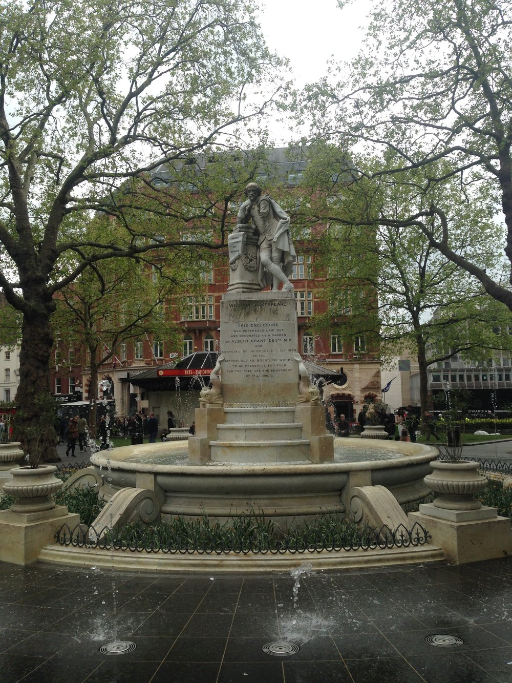 Shakespeare Statue in Leicester Square