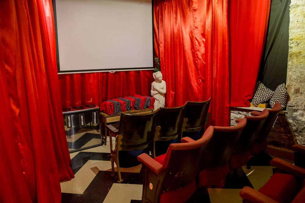 20th Century Flicks have a quirky 11 seater cinema where you can enjoy one of their films from the shop. Get a personalised cinema experience on your next date.    ££ | 18-19 Christmas, Steps, Bristol, City of Bristol, Bristol BS1 5BS |  Website