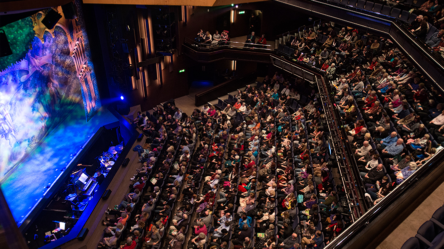 Catch comedy, music or theatre at the Theatre Royal. Check the listings now.     ££ | Theatre Royal Plymouth | Royal Parade, Plymouth PL1 2TR |  Website