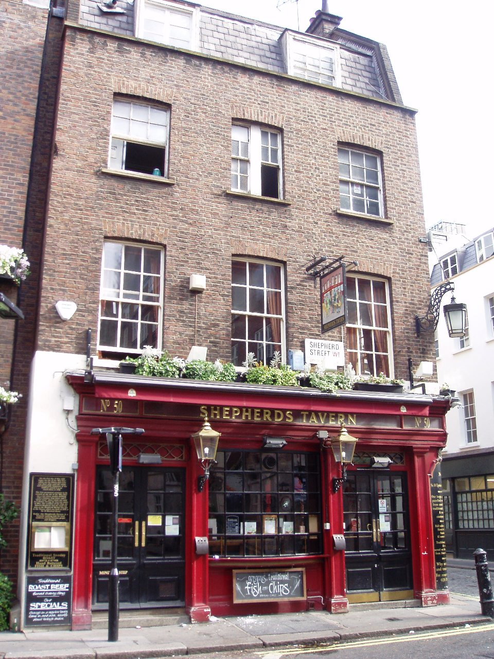 Shepherds_Tavern,_Mayfair,_W1_(2711900118).jpg