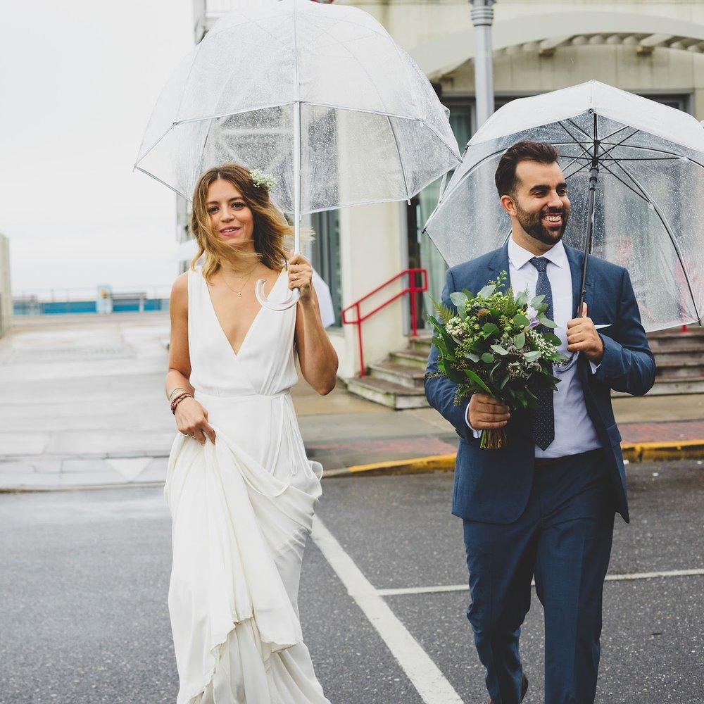 Intimate Asbury Park Wedding photos in the rain | blog.cassiecastellaw.com