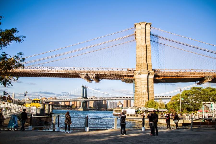 Surprise proposal by the Brooklyn Bridge - www.cassiecastellaw.com