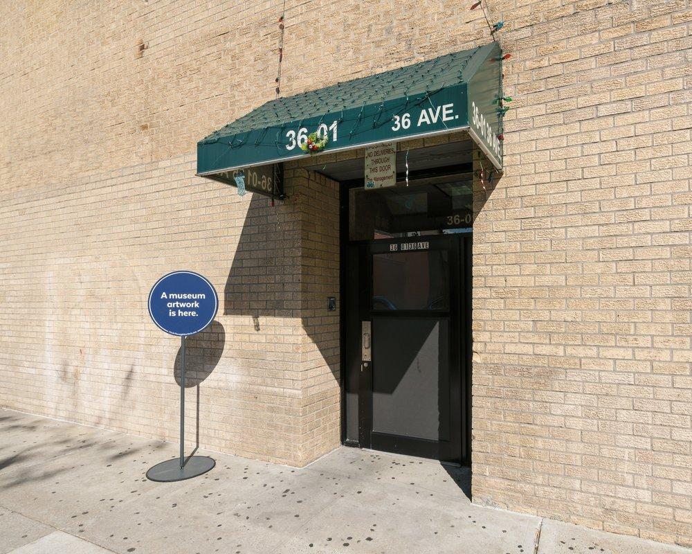Circle Through New York-exh_ph092.jpg