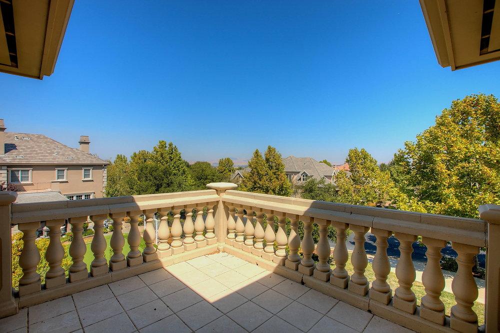 Master_Bedroom_Balcony_View.JPG