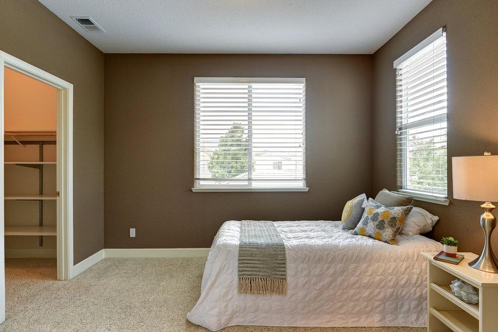 Bedroom 3_1.jpg