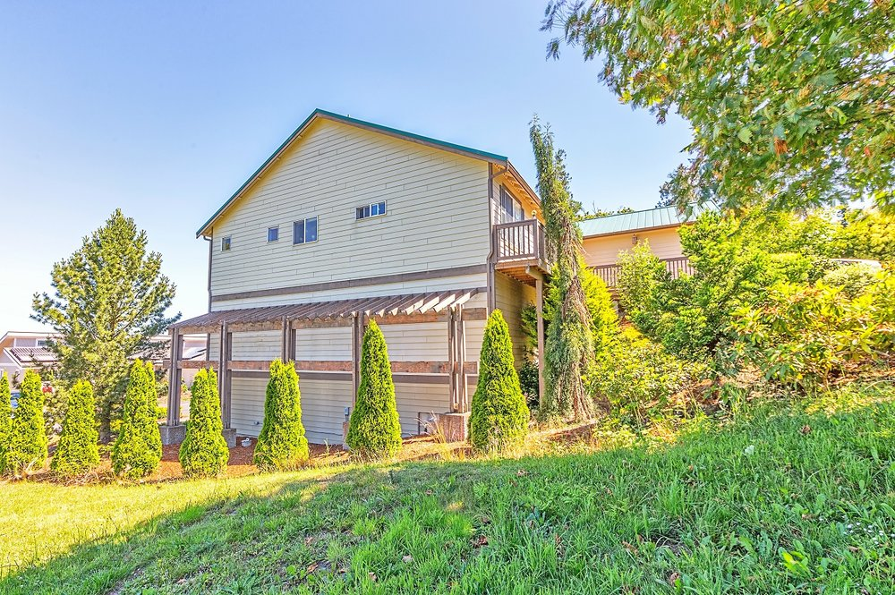 landscaping, single family home, olympic peninsula