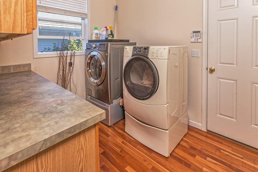 laundry, laundry room, mud room