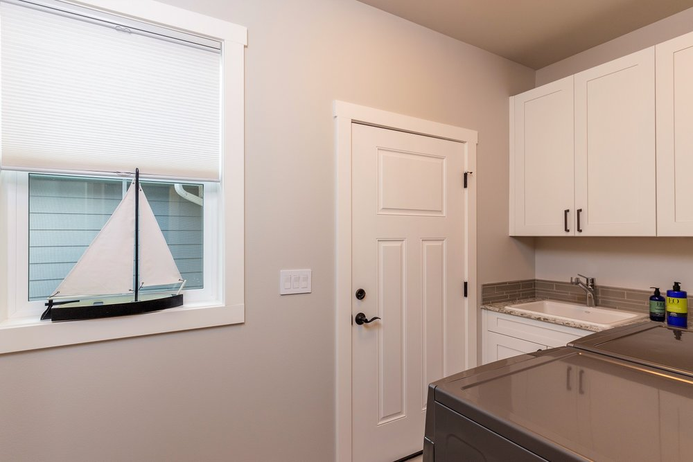 laundry room, port ludlow property, olympic peninsula