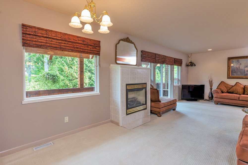 fireplace, living area, port ludlow property