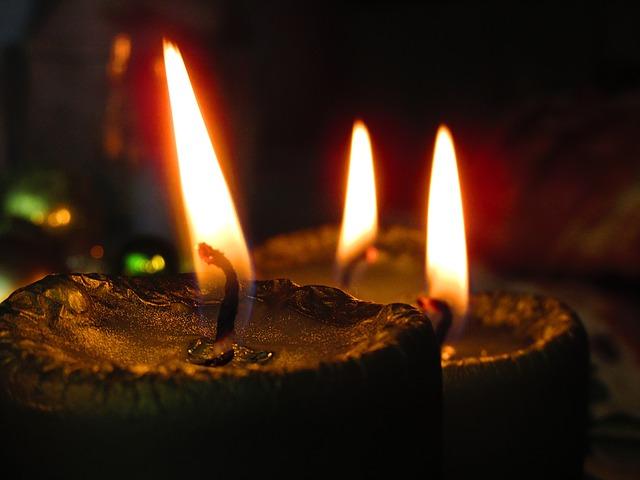 candle-1261303_640.jpg