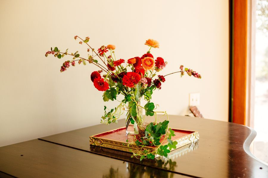 table_flowers.jpg