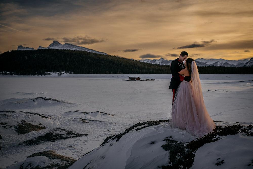 Lake Minnewanka mountain wedding calgary weddings