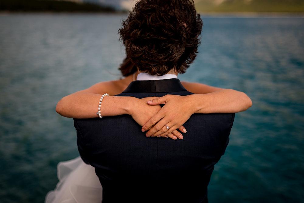 lake minnewanka wedding photo banff wedding photographer calgary wedding photographer intimate wedding mountain wedding