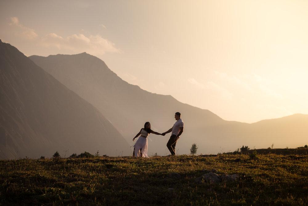 kananaskis mountain engagement, calgary photographer mountain engagement, epic photo, rocky mountain wedding photographer, banff wedding photographer