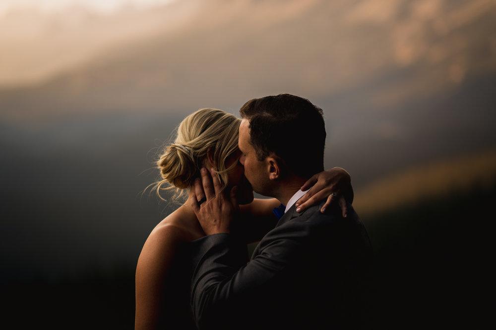 peyto lake elopement wedding photography calgary banff wedding photographer