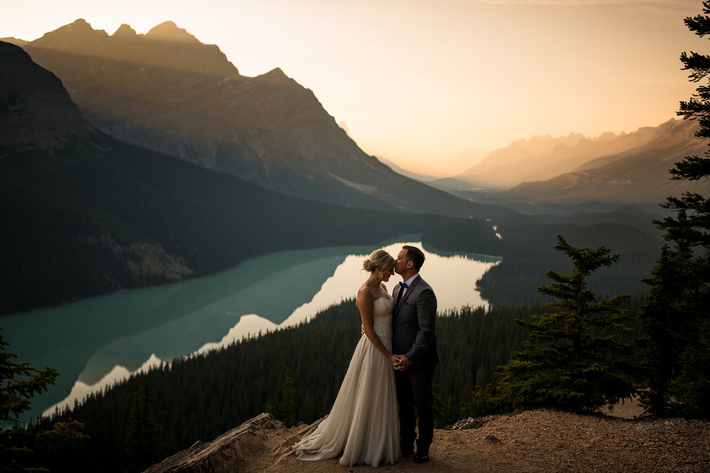 Peyto Lake elopement adventure wedding banff wedding photographer