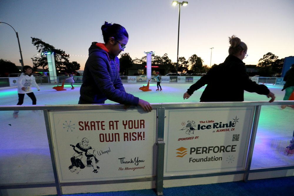 THE LITTLE ICE RINK/RAY CHAVEZ