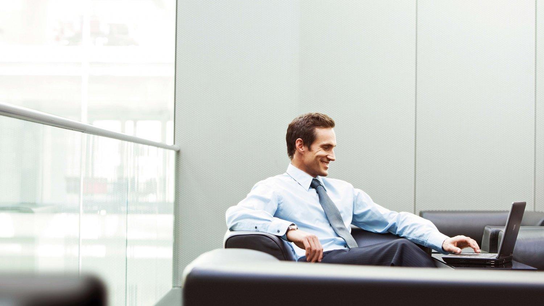 man_office_businessman_smile_laptop_79850_1920x1080.jpg