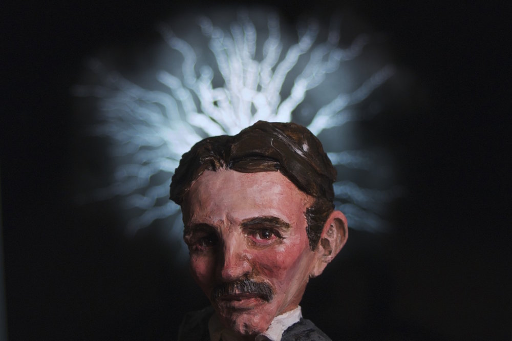 23-Nikola Tesla .jpeg