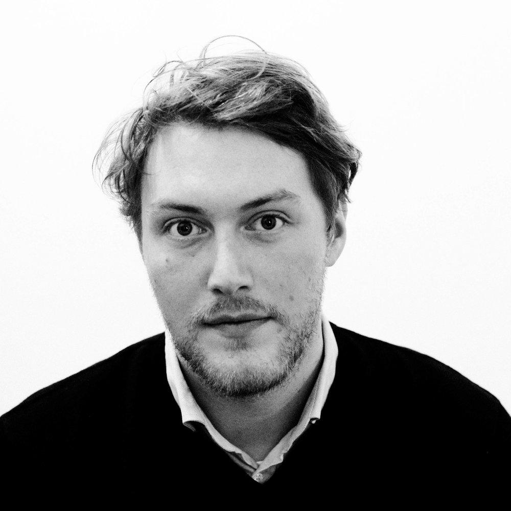 NICOLAS PLANCQ  ist freischaffender Filmer. Er gehört zum Leitungs- und Konzeptionsteam von zfz. Hier betreut er Filmprojekte und unterstützt bei der Realisation.   HALBSCHATTEN