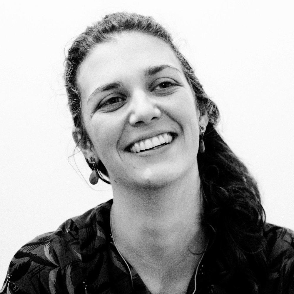 MARLENE  ist Filmeditorin und studiert Rehabilitationspädagogik. Sie ist Mitbegründerin von zfz und gehört zum Leitungs- und Konzeptionsteam. Bei zfz kümmert sie sich vor allem um Bildgestaltung und Organisation.   EINE FAMILIE