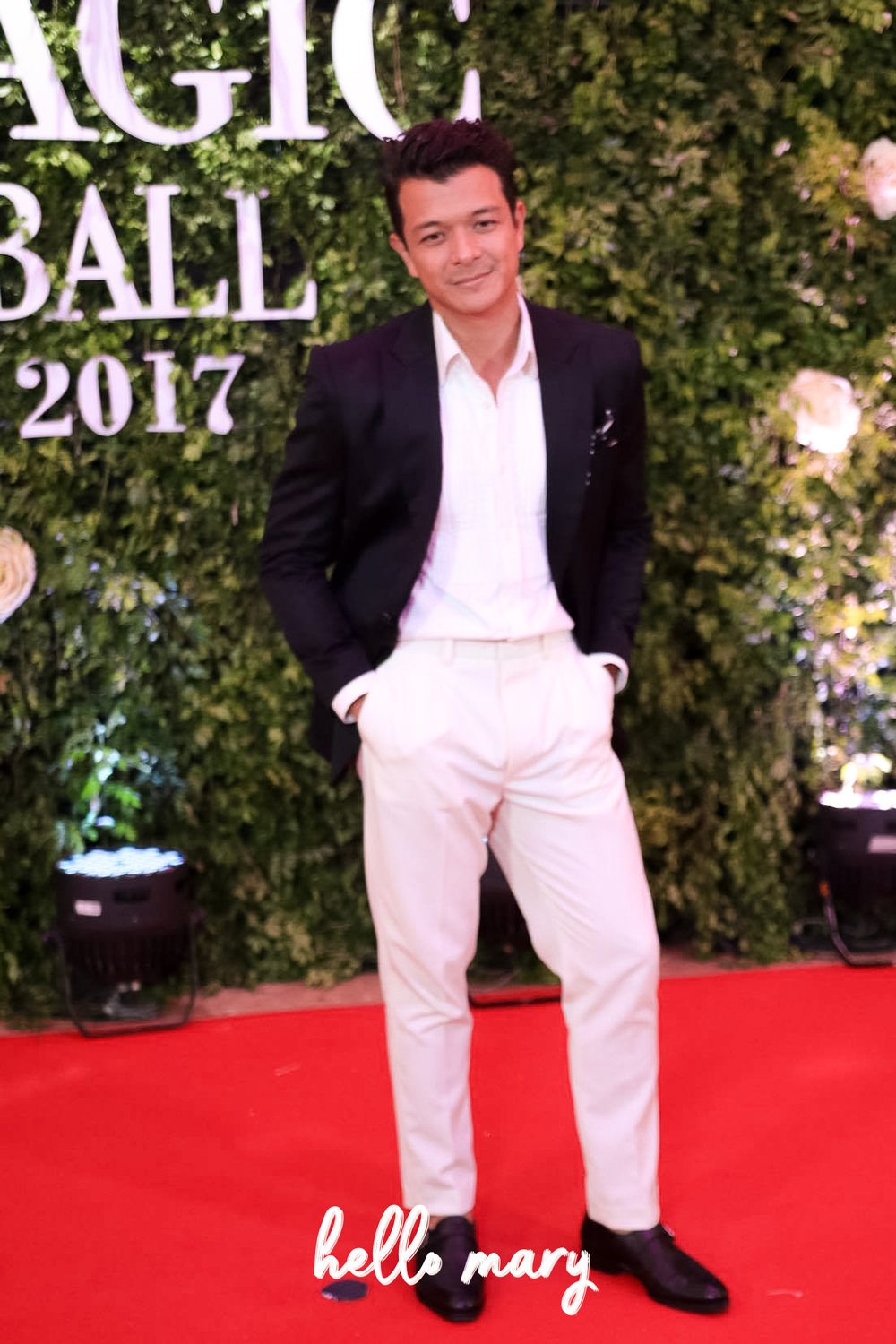 Jericho Rosales - Trust Echo to go to the Star Magic Ball in a laid back outfit and still look damn good.