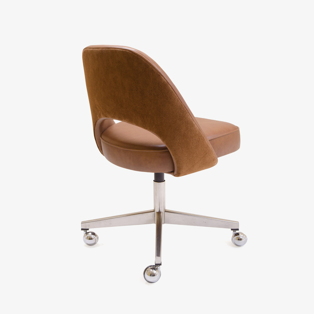 Saarinen Armless Chair, Swivel Base in Saddle Base Leather3.jpg