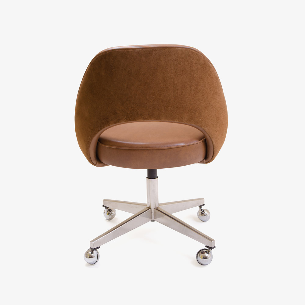 Saarinen Armless Chair, Swivel Base in Saddle Base Leather4.jpg
